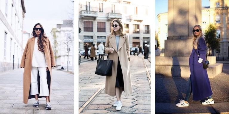 длинное пальто с кроссовками